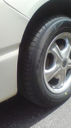 新品タイヤで〜す。